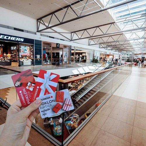 Koju trgovinu odabrati? 🤔🤩 . . #supernovahrvatska #supernovazadar #shopping #giftcard #poklonkartica #fashion #style...